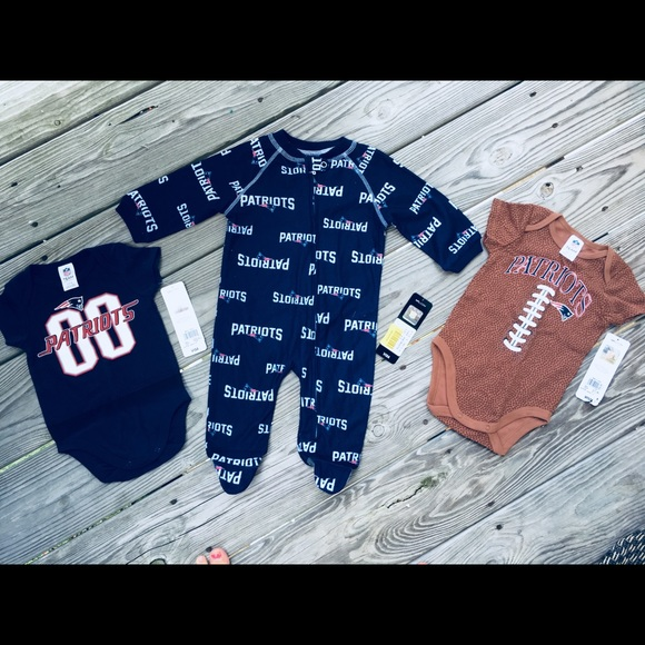 outlet store 21988 afb27 New England Patriots infant clothes (NWT) NWT